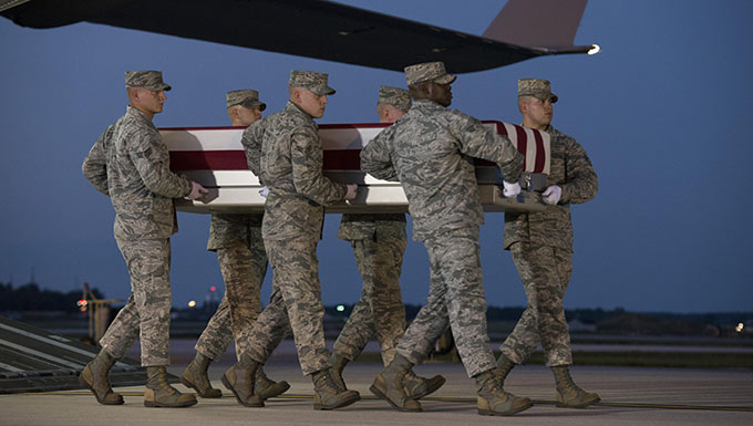 Remains of fighter pilot hero return home after 10 years